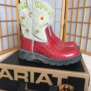 Ariat fatbaby poppy boots in original box